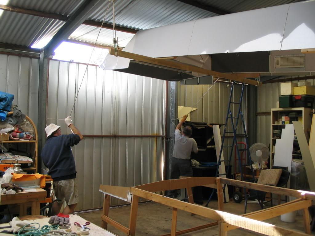 Fittingtheroof2006-2.jpg